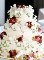 Élővirágos esküvői torta (Auguszt)