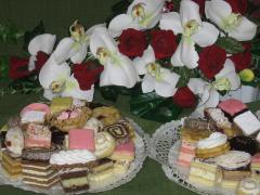 Lakodalmas édes sütemény
