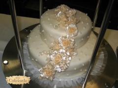 eskuvoi torta reszlet 2