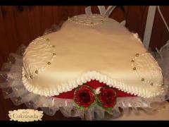 eskuvoi torta reszlet