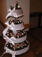 Sok kis tortából álló esküvői torta (Auguszt)